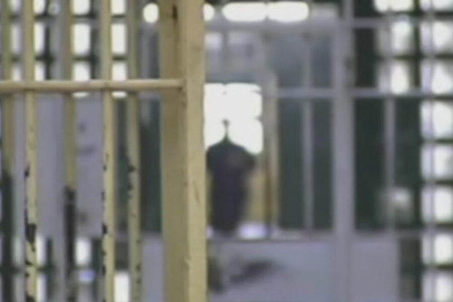 Torture in carcere, 57 poliziotti indagati a Santa Maria Capua Vetere