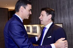"""Fase 3, Conte e Sanchez scrivono all'Ue: """"Riaprire le frontiere al più presto"""""""
