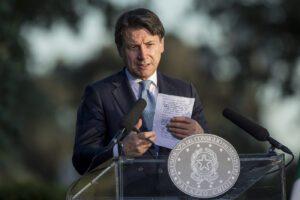 """Conte chiude gli Stati generali: """"Ora un piano per reinventare l'Italia, valutiamo se abbassare l'Iva"""""""