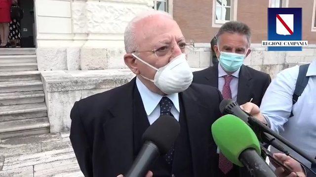 """Rientri dall'estero, quarantena obbligatoria in Campania. De Luca: """"Isolamento fino a esito tampone"""""""