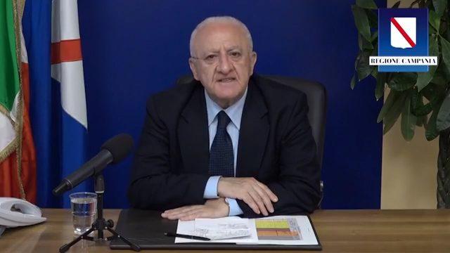"""Campo rom Scampia, 5 positivi su 8 vengono dalla Serbia. De Luca: """"Più controlli alle frontiere"""""""