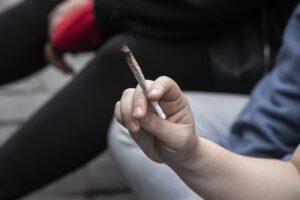 Depenalizzare l'uso di droghe per eliminare il sovraffollamento delle carceri