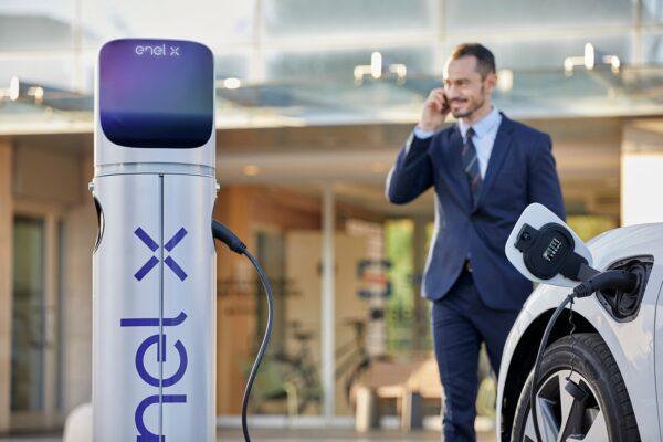 Mobilità elettrica, Enel X triplica i punti di ricarica in Europa