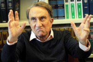 """Blitz a Napoli, Emilio Fede arrestato mentre cena con la moglie: """"Una cosa terrorizzante"""""""