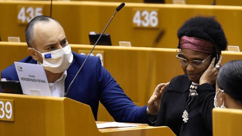 """Eurodeputata vittima di violenza razzista dalla polizia, Sassoli: """"Il governo belga chiarisca"""""""