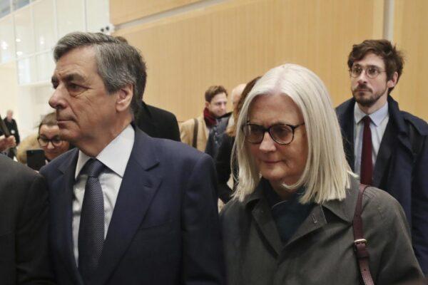 L'ex primo ministro francese Fillon condannato a 5 anni per gli 'incarichi fittizi' a moglie e figli