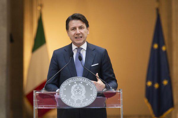 """Destra diserta gli Stati Generali, Conte sorpreso: """"Villa Pamphili è luogo istituzionale"""""""