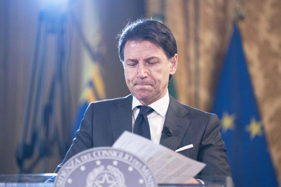 Conte convoca gli Stati generali ma non ha idea di cosa dire…