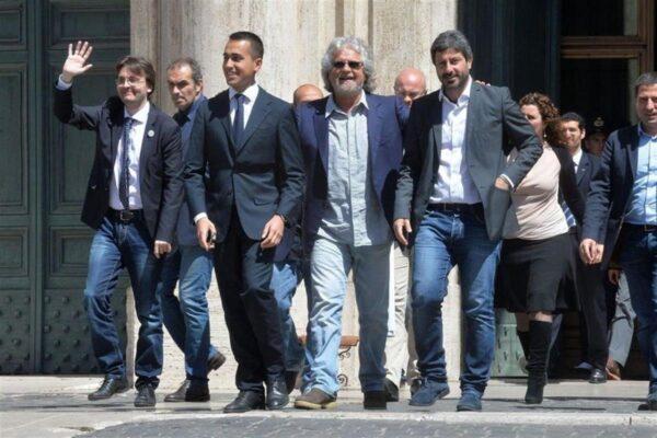 """I grillini lanciano una moneta al posto degli euro, insorge Bankitalia: """"Un danno solo nominarla"""""""