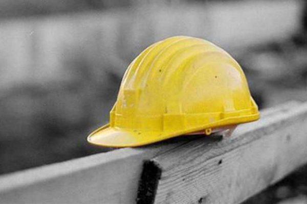 Ostia, cade dall'impalcatura: morto operaio di 59 anni