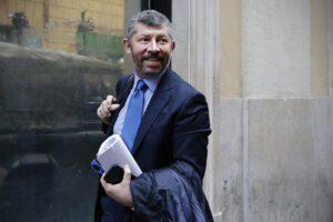 Scalfarotto candidato renziano in Puglia contro Emiliano, spaccatura nel centrodestra