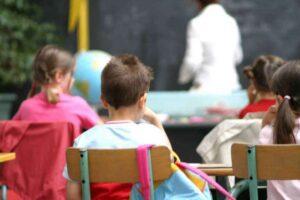 """""""Maltratta gli alunni"""" ma era solo severa. Maestra assolta dopo 4 anni di gogna"""