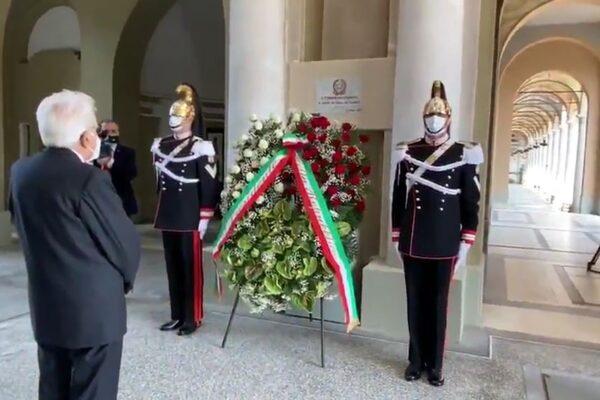 """Festa della Repubblica, Mattarella a Codogno accolto dagli applausi: """"Da qui riparte l'Italia del coraggio"""""""