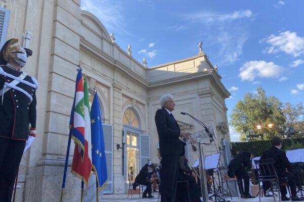 """Festa della Repubblica, Mattarella: """"Il 2 giugno sia emblema della nostra ripartenza"""""""