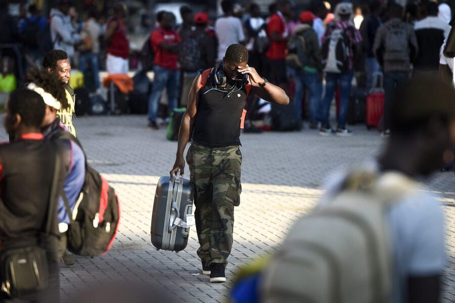 Un anno in viaggio per arrivare in Italia, il racconto di un migrante salvato da una Ong