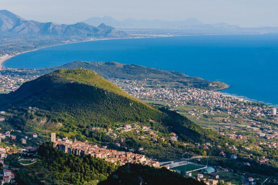 Rilancio del litorale domitio, a luglio l'ok della Regione al progetto