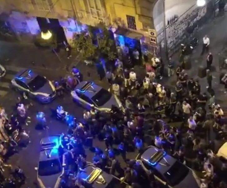 Il sindaco appicca il fuoco ma il piano per Napoli fa acqua da tutte le parti