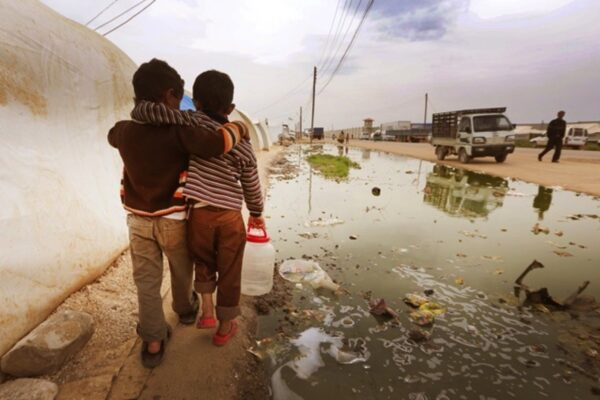 Prima i profughi, basta leggi per respingerli bisogna organizzarsi per accoglierli