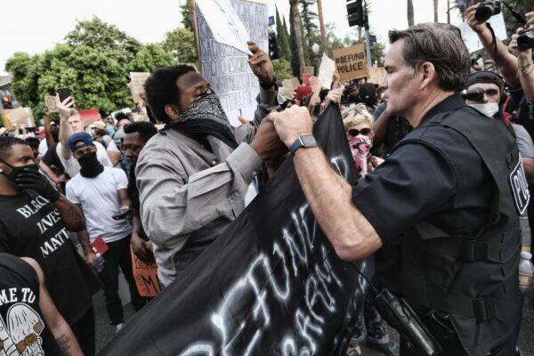 """Proteste Usa e Covid: """"Fino a 540 morti in più per ogni giorno di manifestazione"""""""