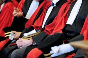 La legge non è uguale per tutti: Pm senza limiti di spesa, inquisiti costretti a pagare migliaia di euro