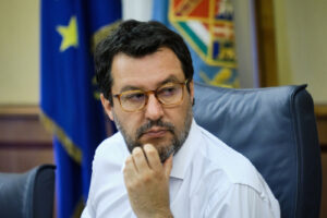 Salvini e la feroce ostilità per una società basata sui diritti di tutti, specialmente dei più deboli
