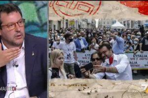 """L'incredibile botta e risposta tra Salvini e Floris: """"Posso togliermi la mascherina per fare una foto con una signora?"""""""