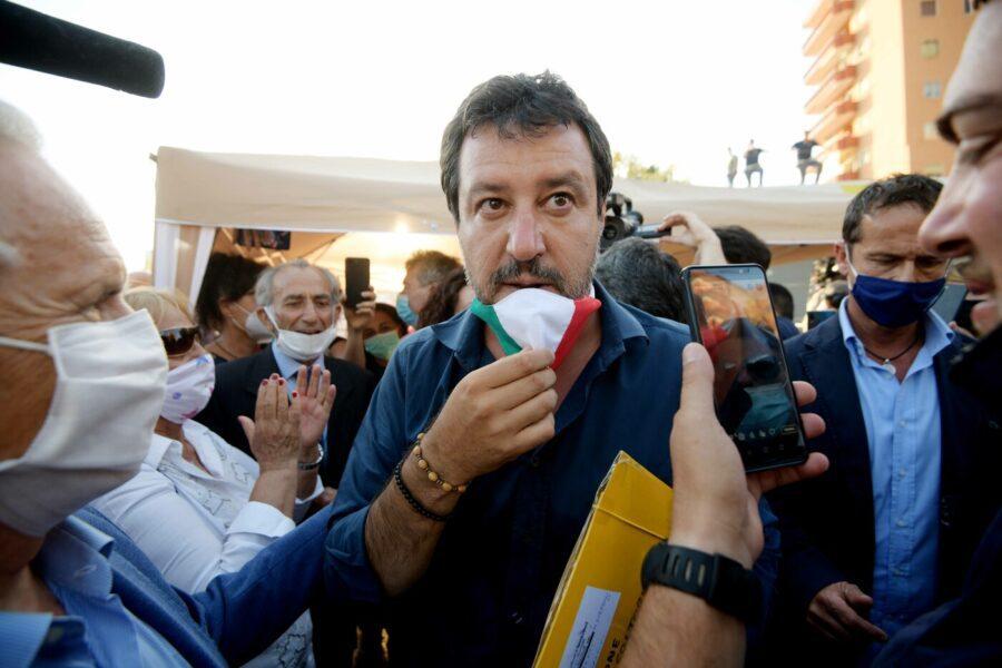 Effetto Mondragone, due sindaci leghisti mollano Salvini: è fuga dalla Lega
