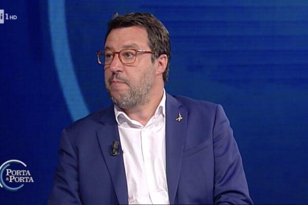 """Salvini dice no agli Stati Generali perchè """"ci pagano per lavorare in Parlamento"""", ma è presente in Senato solo nel 10% delle votazioni"""