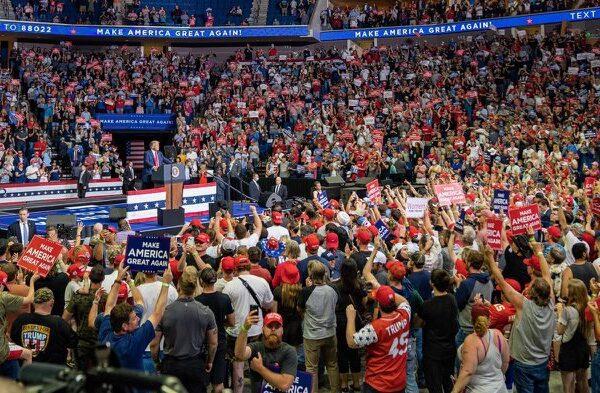 Beffa per Trump, dietro il flop del comizio di Tulsa gli adolescenti di TikTok