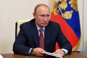Putin 'Imperatore a vita' in Russia: plebiscito al referendum per restare presidente altri 12 anni