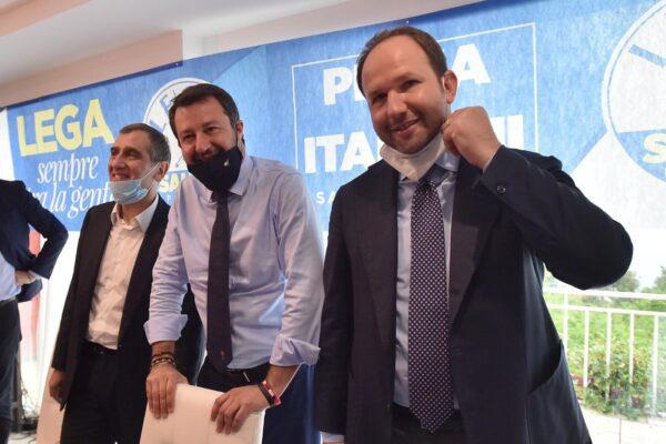 """Si scrive Lega si legge """"la peggio Dc"""", Salvini in Campania fa rivivere la prima Repubblica"""