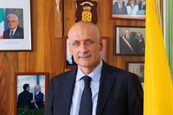 """Vincenzo Figliolia: """"Modello Pozzuoli funziona, ma servono impianti per l'umido"""""""