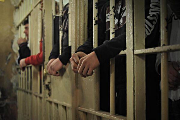 Le prigioni scoppiano, ma la metà dei reclusi è in attesa di giudizio…