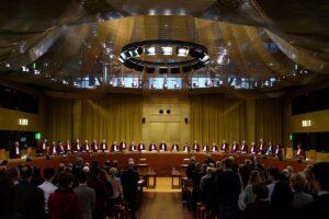 Storica sentenza della Corte di Giustizia Europea: le toghe onorarie vanno equiparate ai magistrati