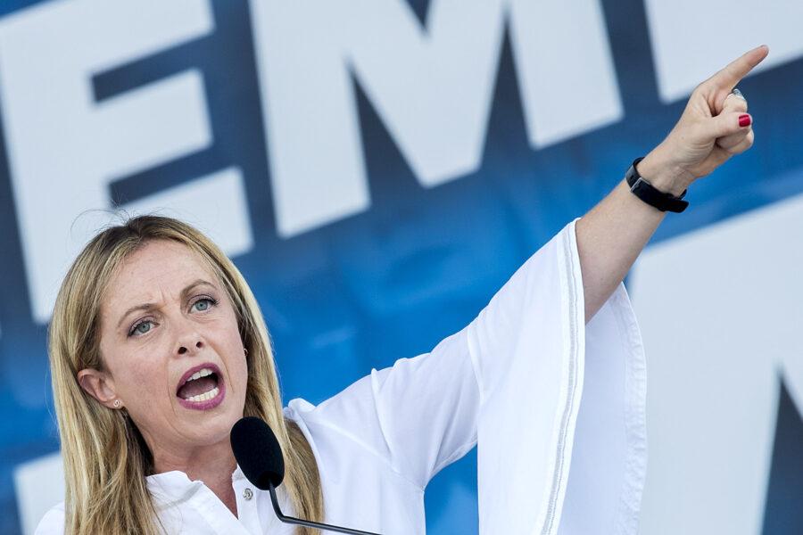 Giorgia Meloni leader del centrodestra: vola nei sondaggi e ha anche un piano