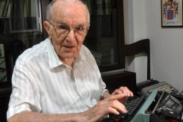 """Nonno Giuseppe si laurea a 97 anni: """"Ora la magistrale, non è mai troppo tardi"""""""