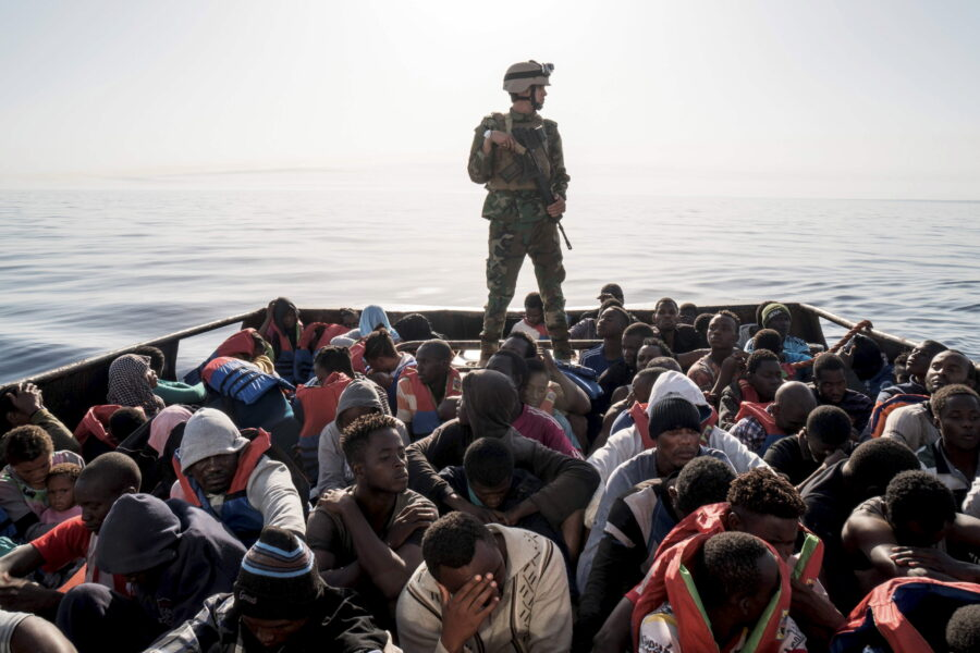Sommersi e salvati, la piazza contro i soldi alla Libia