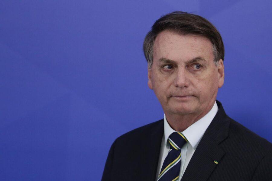 Brasile, il presidente negazionista Jair Bolsonaro positivo al coronavirus