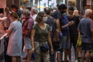 Spagna, 201 focolai attivi: preoccupa la situazione in Catalogna