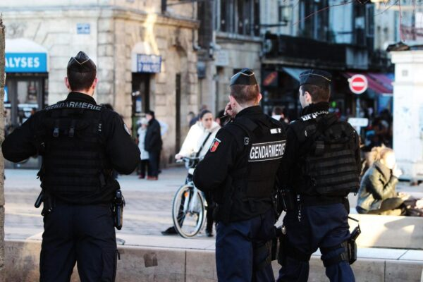 PHOTOPQR/SUD OUEST ; LE 11 JANVIER 2015 / A BORDEAUX / DES PATROUILLES DE GENDARMES CIRCULENT RUE SAINTE CATHERINE DANS LE CADRE DU PLAN VIGIPIRATE PHOTO : Bonnaud GuillaumeFrance will maintain its national security alert system Vigipirate at the highest level, after attacksBORDEAUX JAN 11 2015MaxPPP/LaPresseOnly Italy