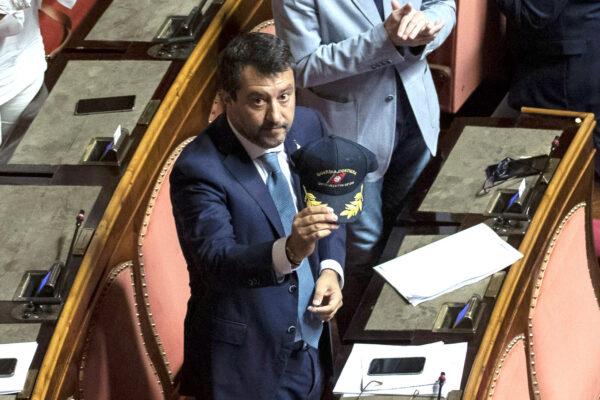 Salvini a processo per salvare la maggioranza, ma così si consegna il Senato ai Pm