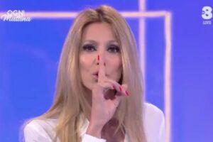 """Adriana Volpe replica a Giancarlo Magalli: """"Zittirmi è mancanza di rispetto per le donne"""""""
