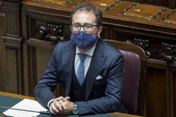 Caso Berlusconi, Bonafede il ragazzo di bottega che non dice nulla su una porcata