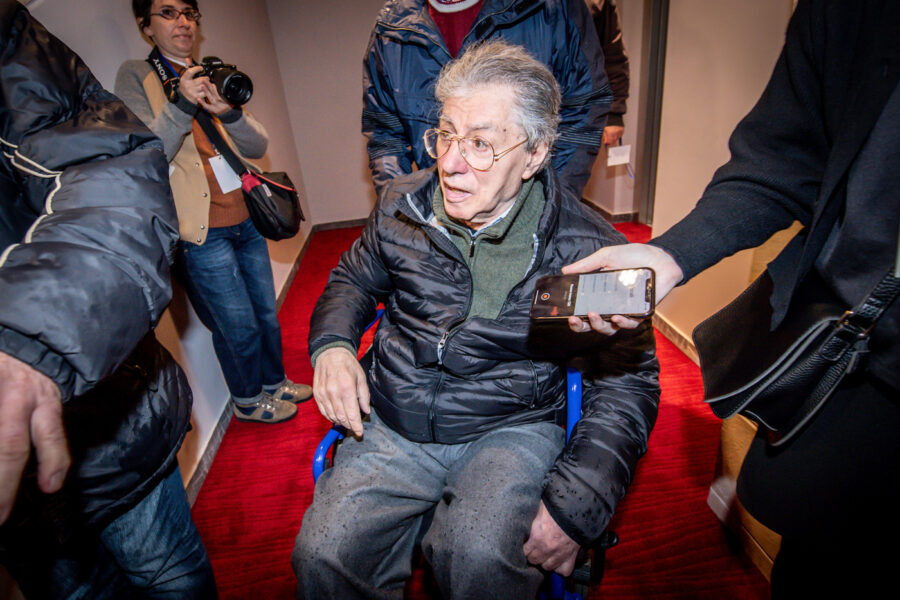 Umberto Bossi ricoverato in ospedale a Varese