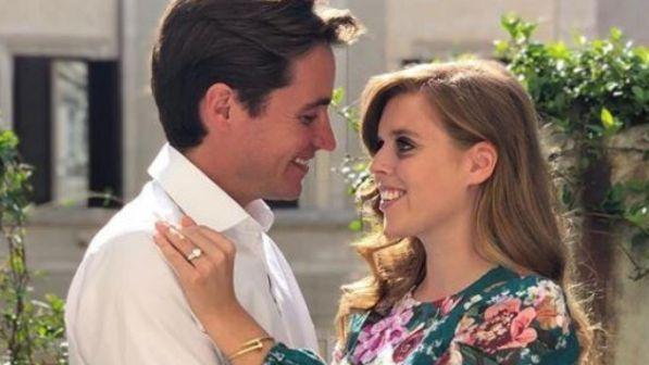 Nozze a sorpresa a Windsor, Beatrice sposa l'italiano Mapelli Mozzi: presente la Regina Elisabetta