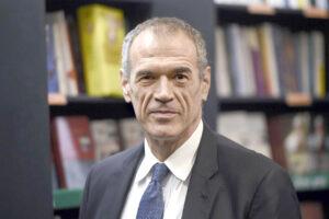 """L'accusa di Cottarelli: """"Svendita fuori da regole, Aspi piegata col ricatto"""""""