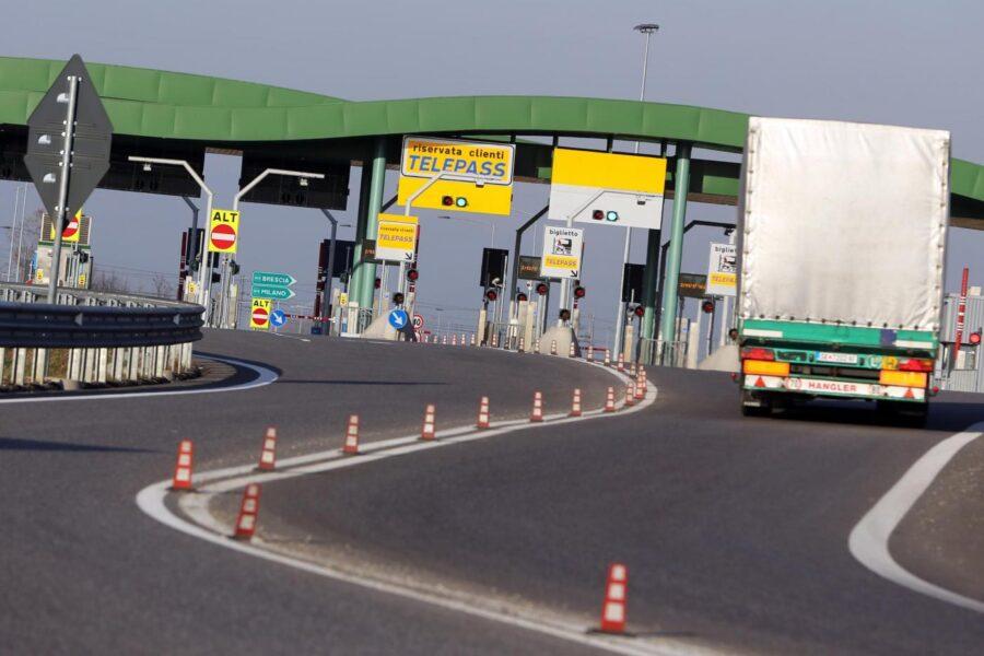 Pedaggi autostradali, cosa cambia per i cittadini con l'accordo tra Governo e Benetton