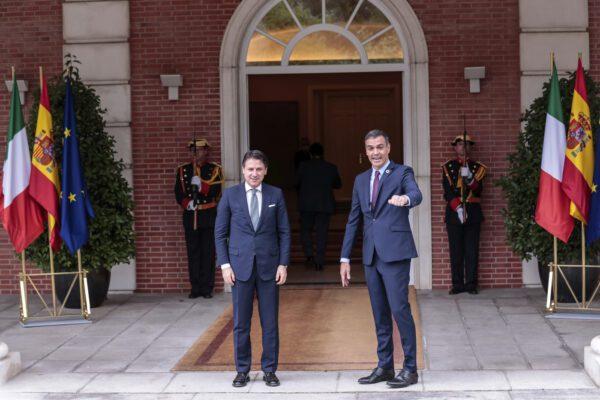 """Alleanza Conte-Sanchez per il Recovery Fund: """"Pacchetto di aiuti da approvare entro luglio"""""""