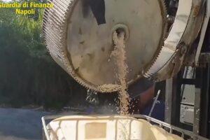 [VIDEO] Captagon, i 'cristalli' dell'Isis nascosti in cilindri di carta