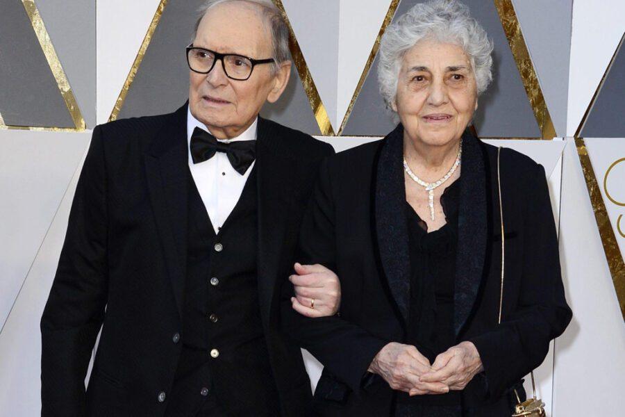 Chi è Maria Travia, la moglie di Ennio Morricone cui ha dedicato il Premio Oscar